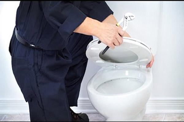 kinh-nghiem-chon-mua-thiet-bi-ve-sinh-toilet-3